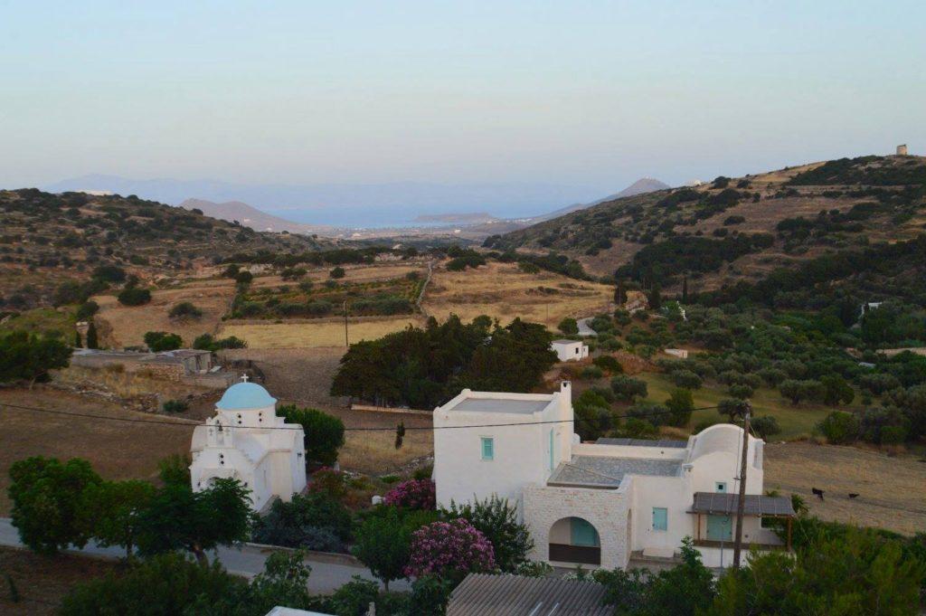 Kostos, Paros